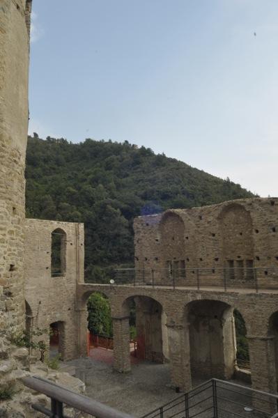 castello-dolceacqua-05
